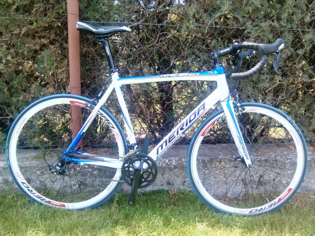 2007d2f66c94 predám meridu. Predám cestný bicykel merida ...